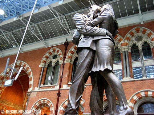 Lovers at St. Pancras