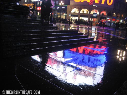 Piccadilly Circus in the rain